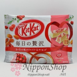 KitKat Yoghurt Double Berry & Almond - mini